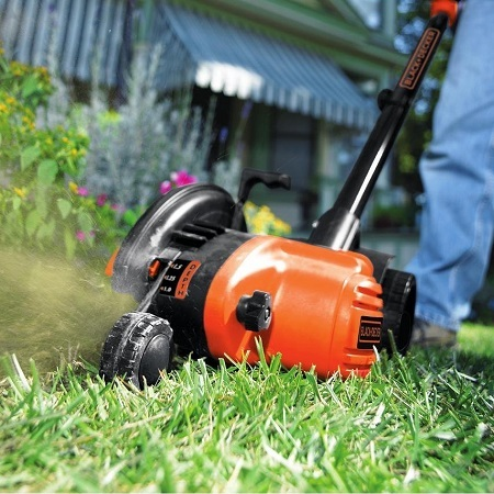 Using BLACK+DECKER LE750 Lawn Edger