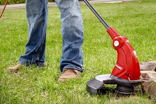 Using String Trimmer