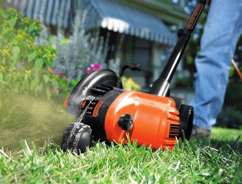Top 5 Lawn Edgers To Tidy Up Your Lawn